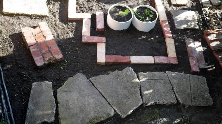 03_recycled_bricksetc